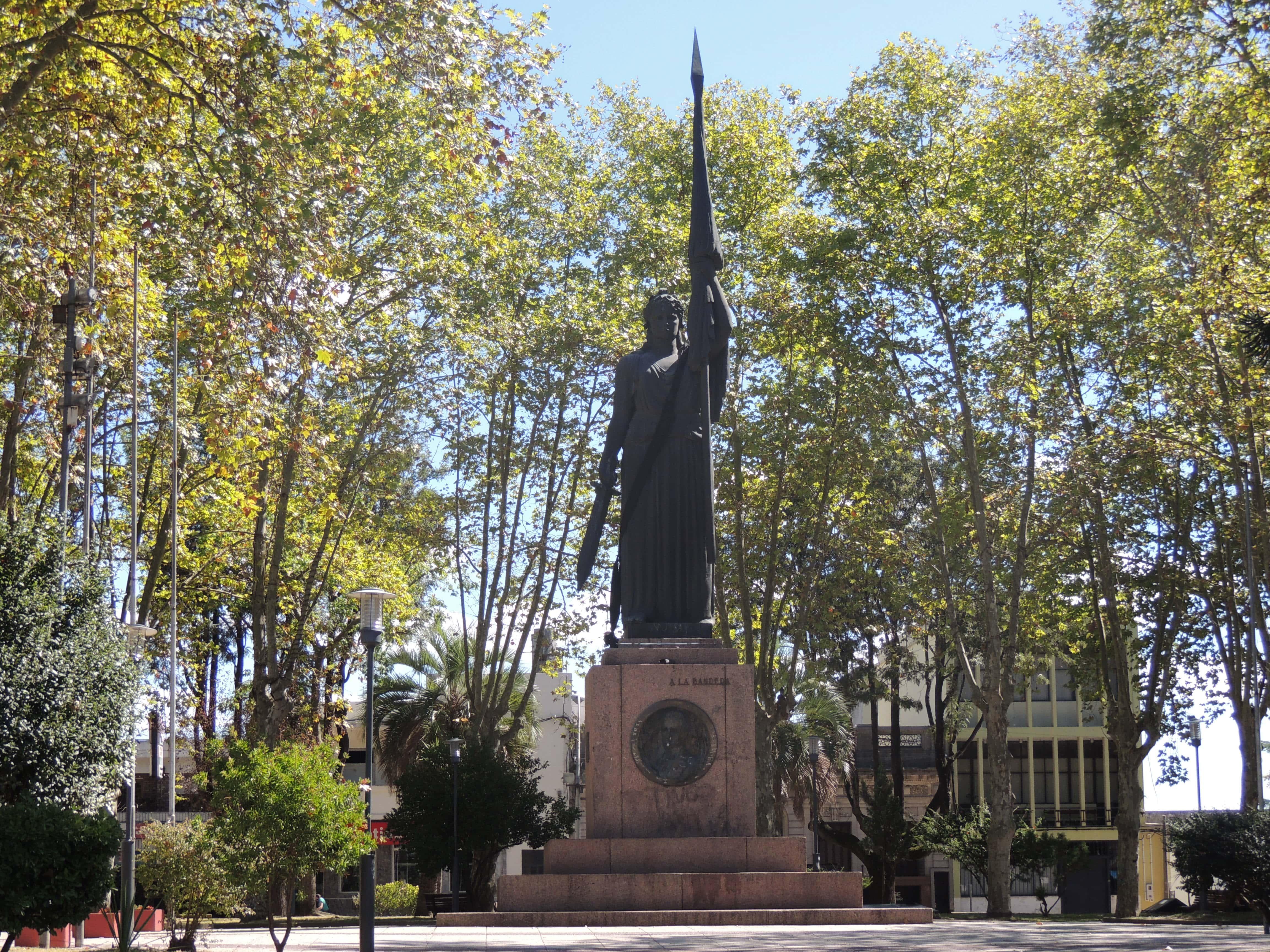 Monumento a la bandera- Plaza 18 de Julio